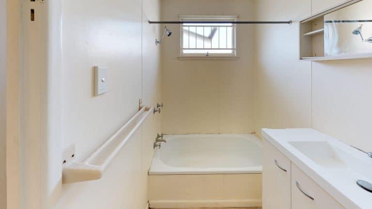 50-Bathroom (1) (wecompress.com)