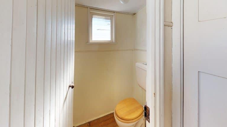 House-12-Bathroom (1)