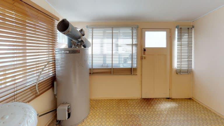 House-15-Bedroom (wecompress.com)