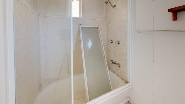 House-20-Bathroom (wecompress.com)