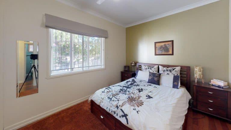 SCARLETT-Bedroom