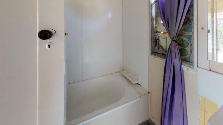LUCA-Bathroom