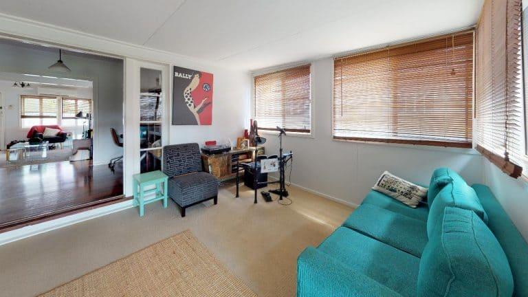 Sport-St-Living-Room