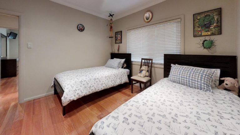 Esta-Bedroom
