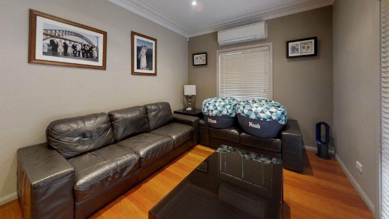 Esta-Living-Room(1)