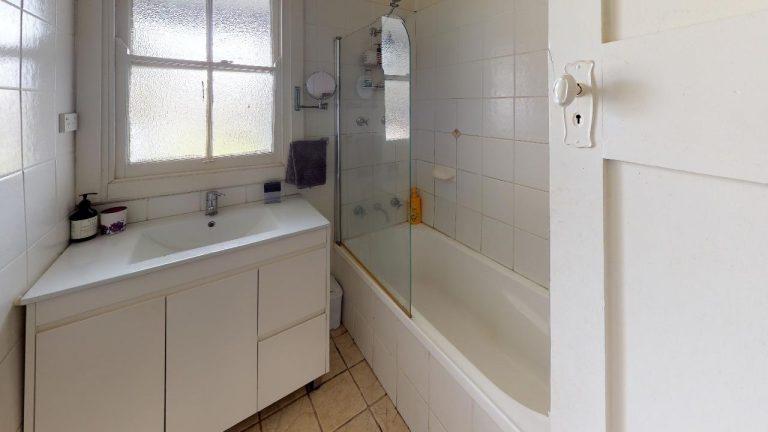 Hazel-Bathroom