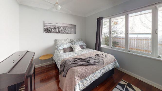 Tarragindi-Bedroom(4)