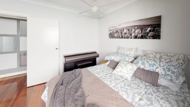 Tarragindi-Bedroom(5)