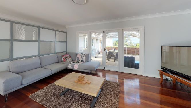 Tarragindi-Living-Room