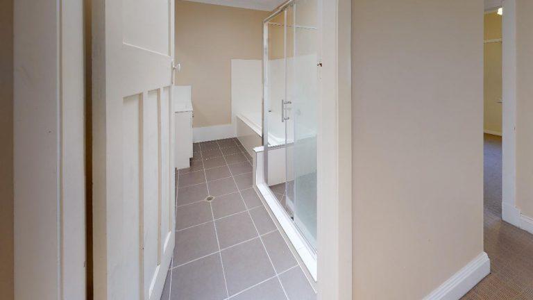 Walooma-Bathroom(1)